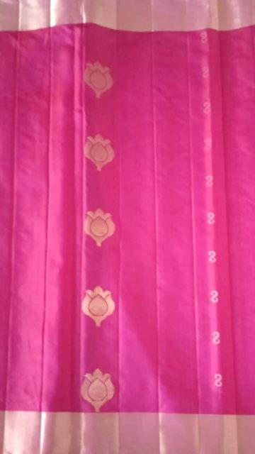 Yespoho Pink with royal blue traditional flowers in the pallu Uppada silk saree