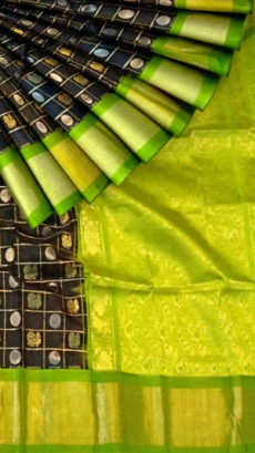 Black & Green Pure Kuppadam Saree with Thick Zari Border-yespoho