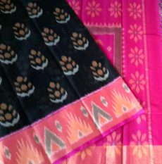 Black with tomato red Color Pochampally Silk Cotton Saree with designer pallu-yespoho