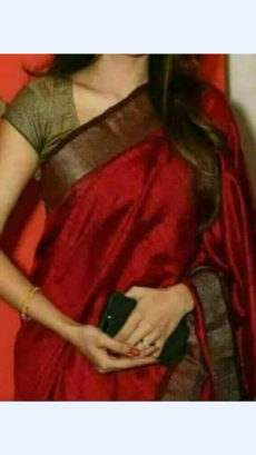 Dark Red linen saree with contrast border-yespoho