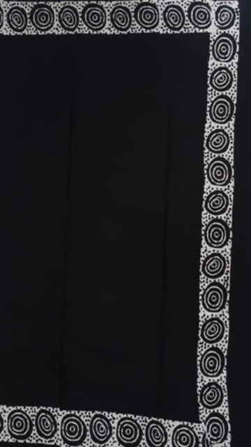 Black & White Black & White circle Spiral,Triangle Block Printed Cotton Saree