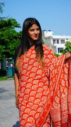 Red Cotton Printed Flower Motif saree-yespoho