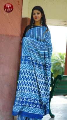 Light  Blue  Cotton Stripes Printed   Saree-yespoho
